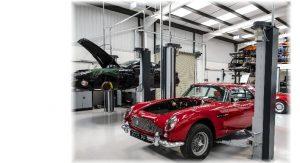 2 Säulen-Hebebühnen Ravaglioli KPX 337 mit Aston Martin