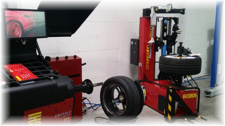 Corghi Reifenmontiermaschine